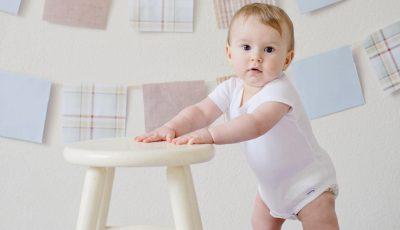 مراحل التطور الحركي للطفل