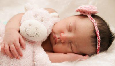8 طرق تساعد رضيعك على النوم