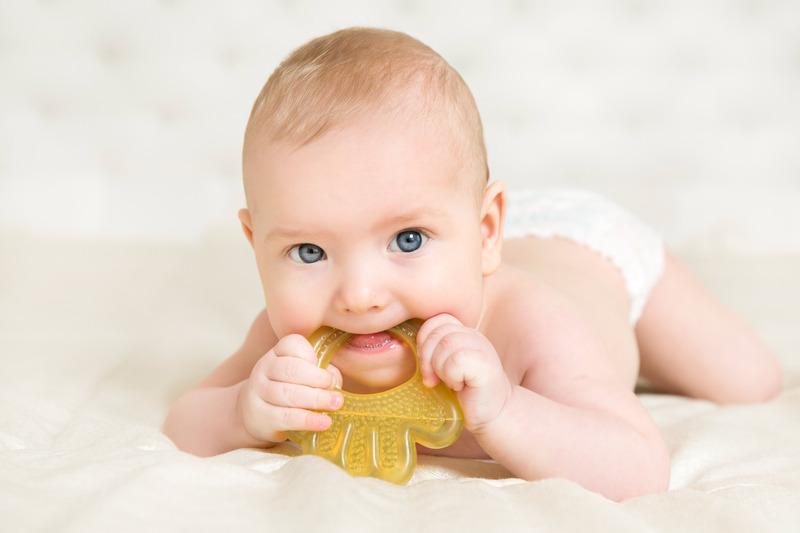 علاج التسنين عند الاطفال