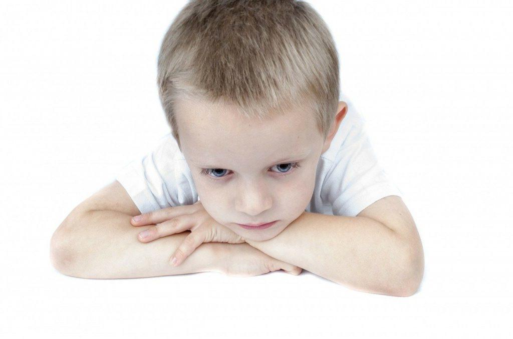 تأخر النطق عند الأطفال والتوحد