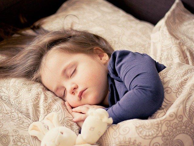 أسباب نزلات البرد المتكررة عند الأطفال